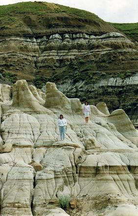 Lidia and Tara surrounded by the Hoodoos