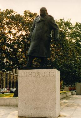 Statue of Churchill in London