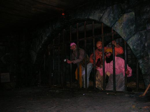 Pirates in jail in Disneyland Paris
