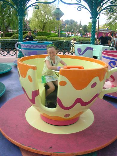 Isabelle in the traditional teacup of Disney, Paris 2006