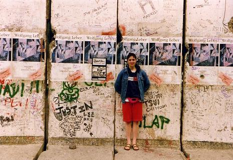 Tara by the Berlin Wall