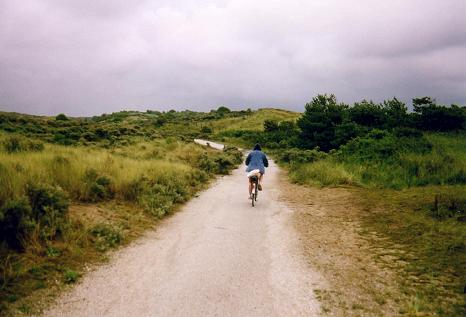 Tara pushing it hard on her one-speed bike (North Sea trail)