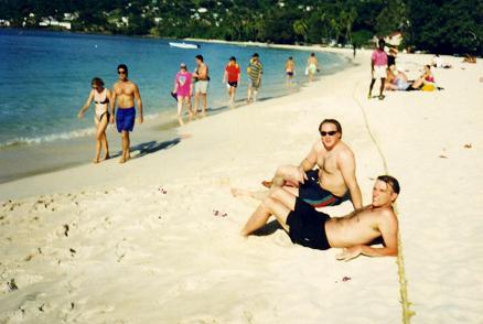 Derek et moi sur la plage de Grand Anse Beach