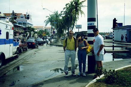 Derek, Tara moi-même dans le centre-ville Oranjestad