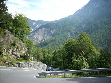 La Loiblpass dans les Alpes de Karawanken/Karavanke