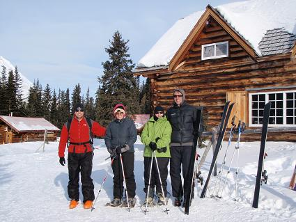 Picture of our group in front of Skoki Lodge